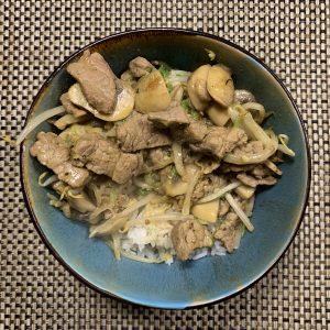 Groene curry met biefstuk en rijst